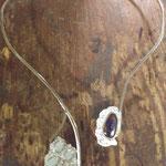 Halsreif in Silber mit Boulder- und Weißopalen von Kundin