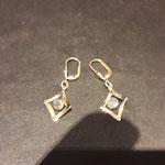 Ohrhänger in Gold mit Schwarzopal