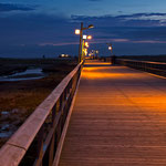 Blaue Stunde über der Seebrücke von St. Peter Ording