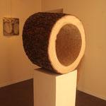 Oltre, 2012,legno, 37h x 53 x 47 cm