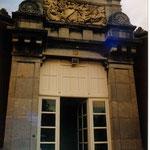 les piliers de la porte