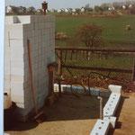 Kleingärtnerverein Brühl e.V. ca 1982: Bau der Gartenlauben- 3 Mauern