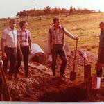 Kleingärtnerverein Brühl e.V. ca 1982: Drainagen legen- bei der Arbeit