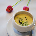 Schwarzwurzel-Zucchini-Cremesuppe