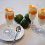 Mango-Ricottacreme mit Pfirsichpüree