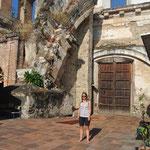 Ruine d'Antigua transformée en école / Antigua ruin transformed into a school