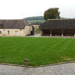 Projet d'aménagement de la cour intérieur du Château de Chailly. Reportage photos Hervé Arnoul.