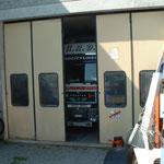 LKW-Garage von H.R.Dasen,Stockenerstr.10a,Bischofszell,als noch der MAN 19.603 im Jahr 2005  da war, links+rechts div.Edelschrottlager
