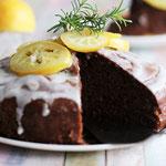 Leckerer Zitronenkuchen mit Olivenöl gebacken.