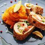 Karotten Tagliatelle und Gemüse Putenroulade.