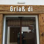 Schriften aus Forex gefräst - Lärchwaldhütte Penken, Mayrhofen