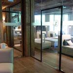 Glasdekor Eingangsbereich Posthotel Zell am Ziller
