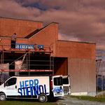 Der schönste Arbeitsplatz in Tirol: Schilder-Montagen auf höchster Ebene!