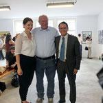 vlnr.: Alina Heinze (Museumsleitung), Thomas Billhardt, Viet Coung Nguyen (Vietnamesischer Botschaftsrat)