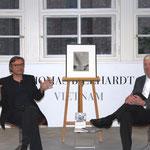 Moderator Holger Teschke und Autor James W. Graham