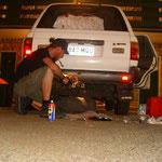 Reperatur und kleine Änderungen (2 Uhr morgens in Tennant Creek)