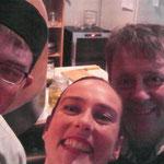 v.l.n.r. Kolby der Pizzabäcker, Steph und Joe der Besitzer