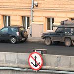 vor dem Kempinski in Moskau
