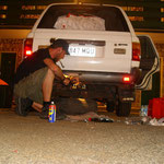 2 Uhr morgens in Kathrine... Reperatur bevor es ins Outback geht...