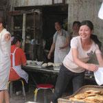 Lustige Bäckerfrauen