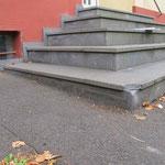 Beschädigung an Stufenanlage