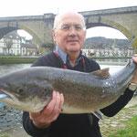 Louis Cadiou avec son saumon de 92 cm pour 6,500 Kg