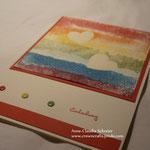 Die Regenbogenfarben sollen an die Treue Gottes erinnern, die er Noah zusicherte, als dieser den Regenbogen sah...