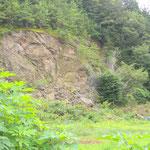 崖が崩れている