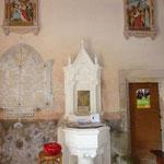 St Laurent Rochefort - En bas : bénitier - En haut : chemin de croix