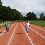Lilly und Nadja beim Rennen