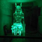 Ägyptischer Gott im Eispalast