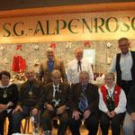 Die Ehrengäste mit Schützenmeister Horst Tieber