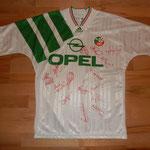 Unterschriften der gesamten Mannschaft mit Roy Keane, Ray Houghton etc. - Geschenk von Kurt Röthlisberger, Ex-FIFA-Schiedsrichter
