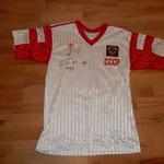 signiert von Igor Dobrowolski, welcher damals für Servette gespielt hat.