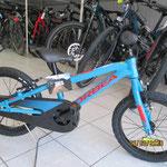 Vélo 16 pouces autour de 5 ans.