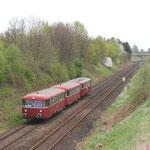 Hier fährt der Schienenbus zwischen Braunschweig und Drütte dem Bahnhof Salzgitter Bad entgegen...