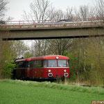 Von Börßum kommend fährt der Sonderzug Richtung Werlaburgdorf - Museumsbahn im Warnetal
