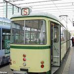 Museumsgelenkwagen TW 35 steht am Braunschweiger Hauptbahnhof für eine informative Stadtrundfahrt bereit