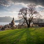 Steinbacher Pfarrkirche im Herbst (© Andrew Blomfield)