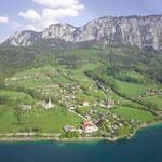 Flugbild von Steinbach am Attersee