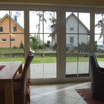Der Ausblick vom Wohn- und Essbereich
