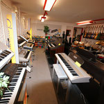 Pianos, Keyboards
