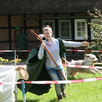 1. Mai: Wällertreffen in der Lüneburger Heide. Laura und Kiwi gewinnen das Hütespiel, Kiwi wird zur Miss Lüneburger Heide gewählt.