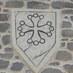 Croix du Languedoc sur blason en enduit de façade
