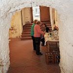 Kellereingang mit Sektbar