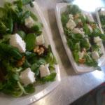 Salade de mâche betteraves chèvre et noix
