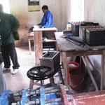 Akkumulatoren Ladestation und Mühlenkasse von Kindimba