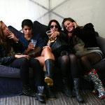 Fans auf einem Rockfestival in England                                                      Foto: Schomberg