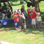 Western- Bauernspiele am Kindertag Pfeil und Bogenschießen