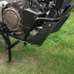 Unterfahrschutz am Fahrzeug montiert
